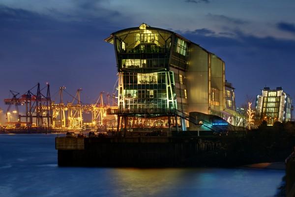 restaurante porto hamburgo inglaterra a noite