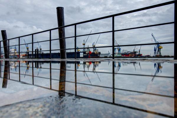 porto de hamburgo tempo chuvoso