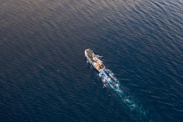 vista, aérea, do, barco, de, pesca - 27540222