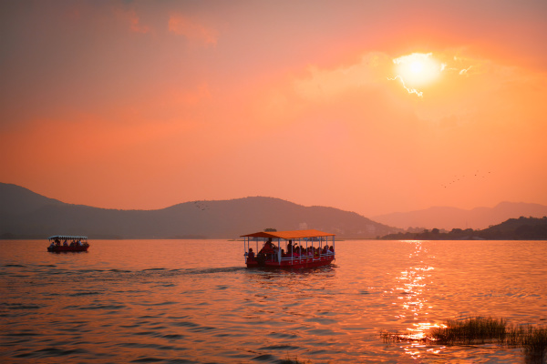 barco, no, lago, pichola, ao, pôr - 28478447