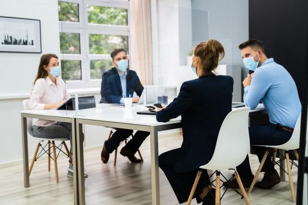 reuniao de distanciamento social do escritorio