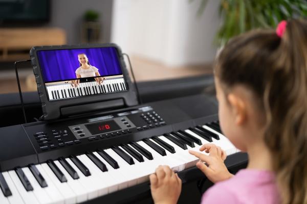 aula de internet de piano de