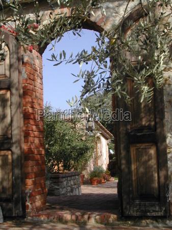 ferias portao canteiro parede toscana alvenaria