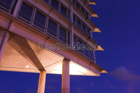 torre de escritorios no porto de