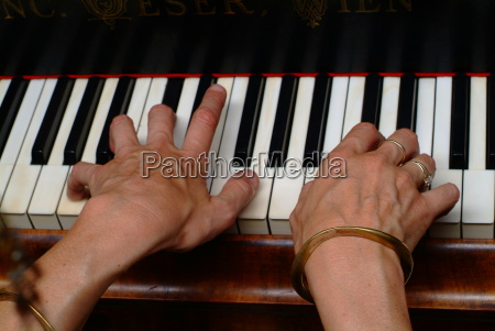 touched pianomusickeyboard