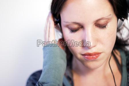 mulher belo agradavel musica ouvir emocoes