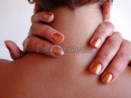 dedo viagens dedo no pescoco