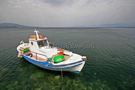 ferias grecia agua mediterranico agua salgada