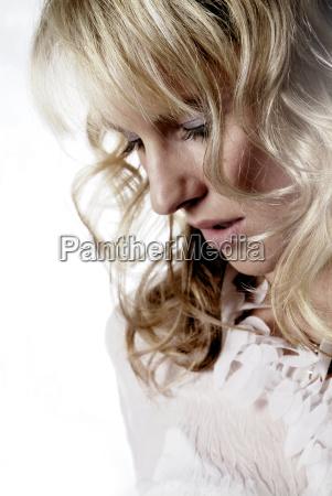 mulher seriedade feminino senhora face retrato
