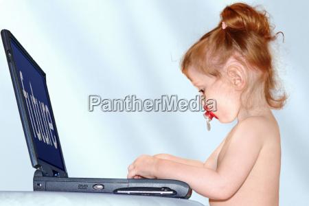 do bebe no portatil