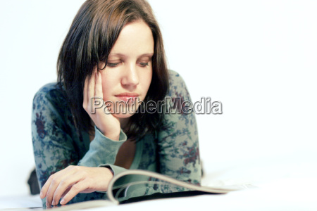 mulher jornal tageblatt lazer relaxamento confortavel