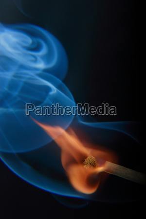 fumaca azul negro fogo combinar vermelho