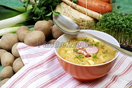 tigela de sopa e sopa de