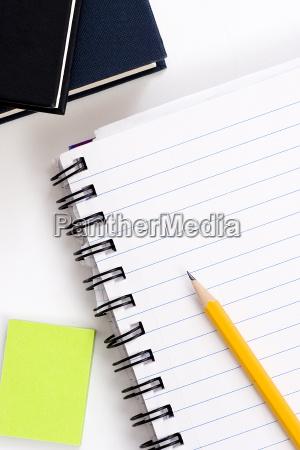 lapis no caderno