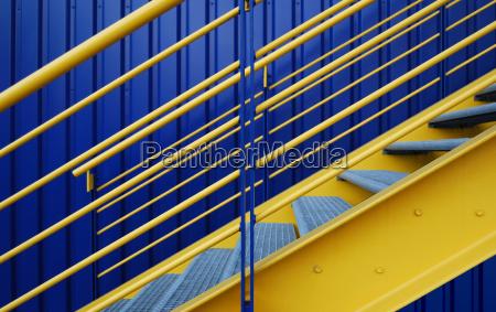 azul escada metal cores complementares grade