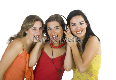 girls listening music