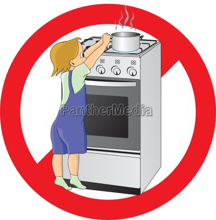 crianca no perigo na cozinha