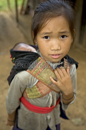 menina de hmong com irmao laos