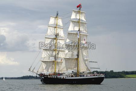 veleiro barco a vela barco a