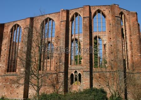 hansestadt ruina mecklenburgvorpommern stralsund backsteingebaeude schillstrasse