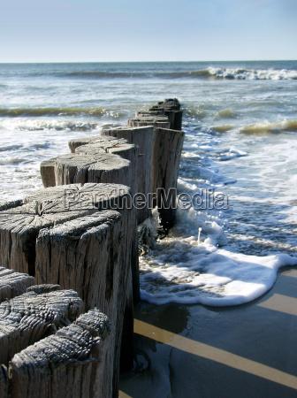 quebra mar praia do mar do