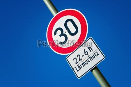 sinal trafego trafego rodoviario area residencial
