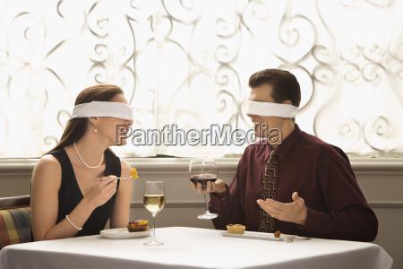 casal na data cega