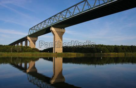 ponte canal concreto construcao de ponte