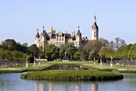 castelo de schwerin na mola