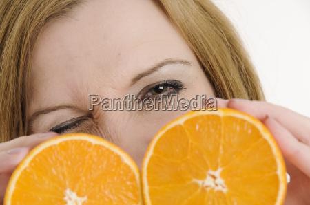 blink behind the oranges slanting