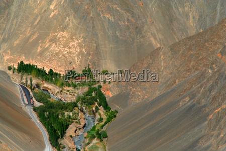 montanhas deserto oasis vale montanha rio