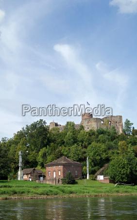 ruinas do castelo polle weser uplands