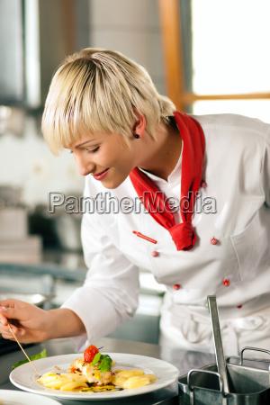 cozinheiro chefe em cozinheiros do restaurante