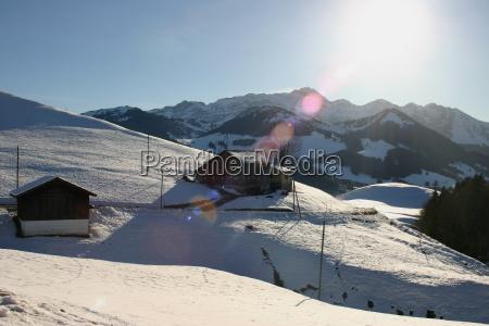 casas montanhas inverno alpes suica neve