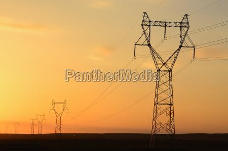 torre deserto por do sol poder