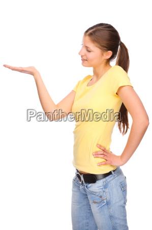 mulher tranca mao estendido jovem magro