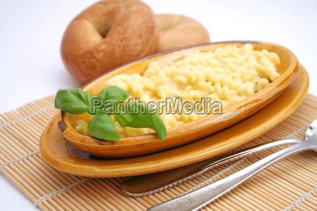 alimento massa talharim queijo vegetariano