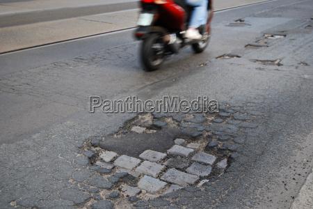 veiculo estrada perigoso