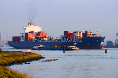 trafego porto carga transporte navio recipiente