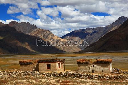 casa construcao india tibete tradicao montanha