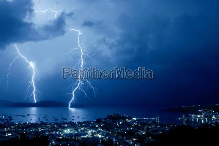 noite porto tempestade tempestuoso relampago portas