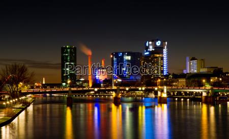 skyline de francoforte westhafen na noite