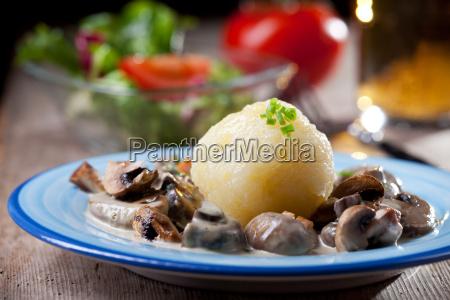 potato dumplings with mushroom sauce bavarian