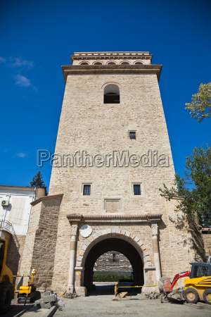 torre historico monumento famoso maquinaria entrada