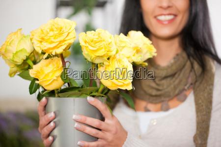 florist in flower shop