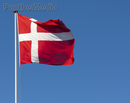 a bandeira dinamarquesa dannebrog de encontro