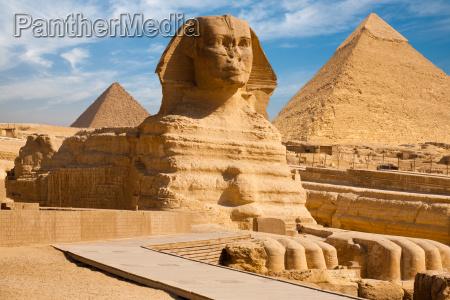 piramide completa do perfil de sphynx