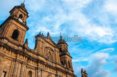 frente catedral de bogota