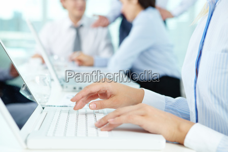 secretario typing
