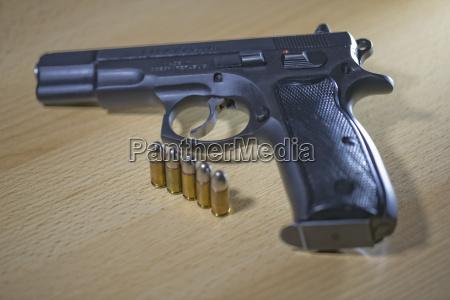 injetor do revolver do pistole